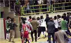 ویدئو/ درگیری شدید و بی سابقه در لیگ یک/ بازی بالان صنعت و اهورا بهبهان به آشوب کشیده شد