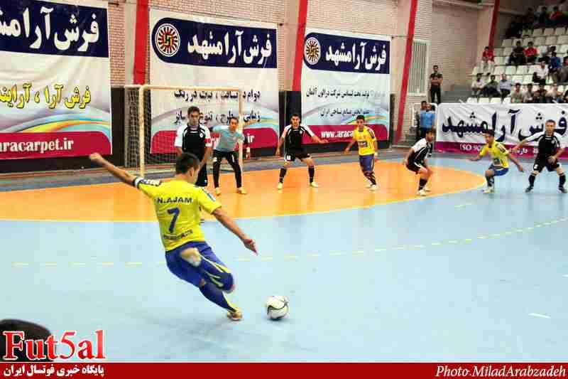 گزارش تصویری بازی تیم های فرش آرا مشهد و شهرداری ساوه
