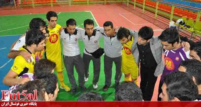 بازیکنان زمزم در آستانه اعتصاب