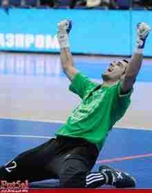 لوبو دروازبان برزیلی الاصل روسیه بهترین دروازبان سال ۲۰۱۳ جهان شد