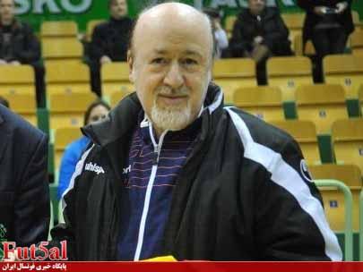 افتخاری:شمسایی همزمان در باشگاه و تیم ملی کار میکند/ نظر کمیته فنی لازم الاجرا نیست