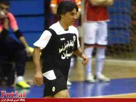 مخالفت دبیرکل فدراسیون فوتبال با حضور همزمان شمسایی در تیم ملی و باشگاهی