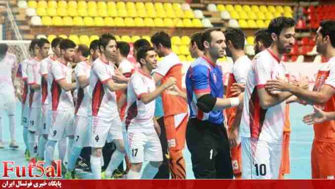 گزارش تصویری/بازی تیم های گیتی پسند اصفهان با شهروند ساری