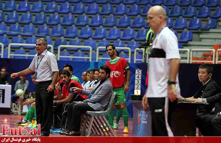 سرمربی القادسیه کویت: نایب قهرمانی تیم را به محمد طاهری تقدیم میکنم