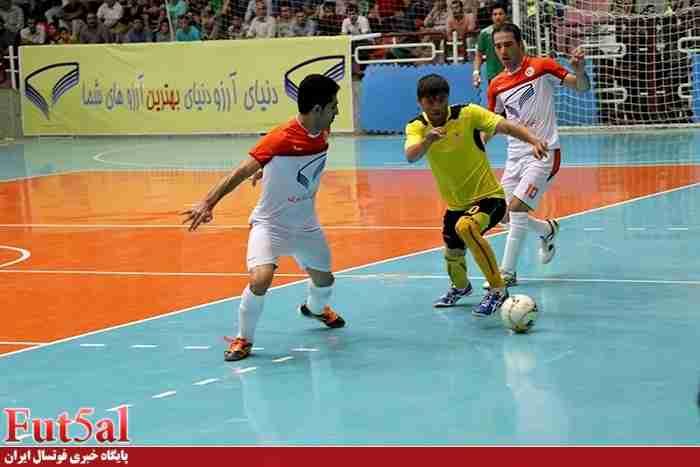 گزارش تصویری/بازی تیم های شهروند ساری با کاشی نیلوی اصفهان