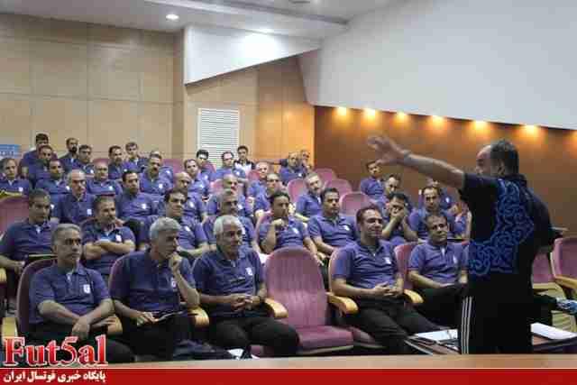 کلاس توجیهی ناظران داوری لیگ برتر فوتسال برگزار شد/ گزارش تصویری