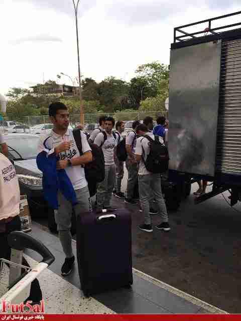 ورود تیم ملی فوتسال به شهر محل برگزاری دیدار نیمه نهایی/گزارش تصویری