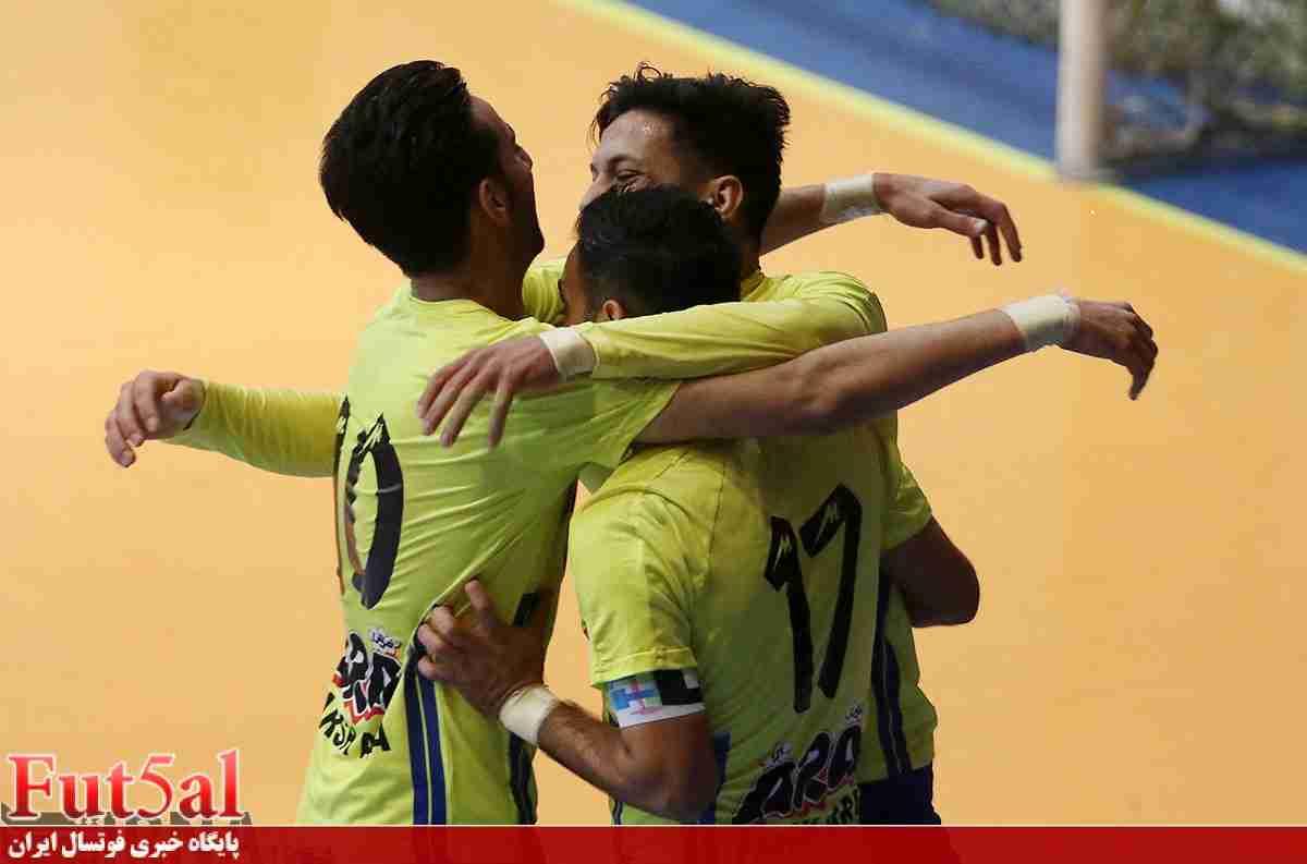 پیروزی پر گل فرش آرا در آغاز لیگ بیستم
