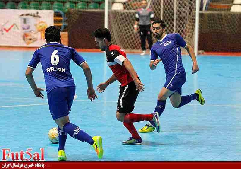 گزارش تصویری/بازی تیم های گیتی پسند اصفهان با ارژن شیراز