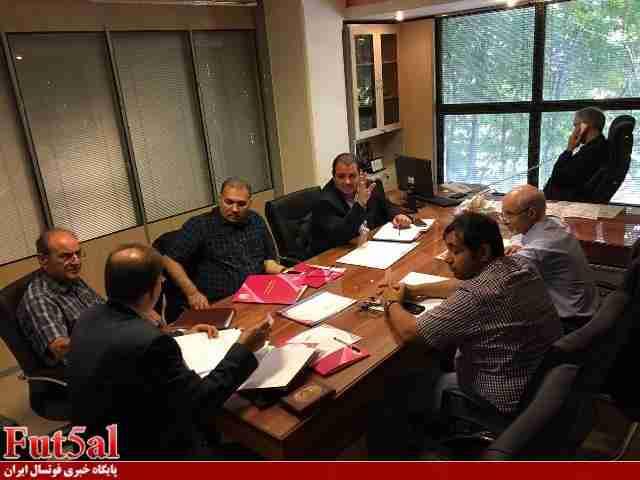 جلسه اعضای کمیته فوتسال با مسئولان سازمان لیگ