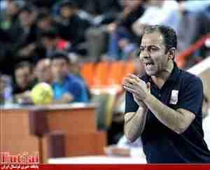 بی غم: ترابیان را آوردیم تا مشکل آشپز نداشته باشیم!/موضوع پوشیدن یک پیراهن توسط دو بازیکن را پیگیری می کنیم/نمی دانم چرا احمدی بین کاندیداها نبود؟