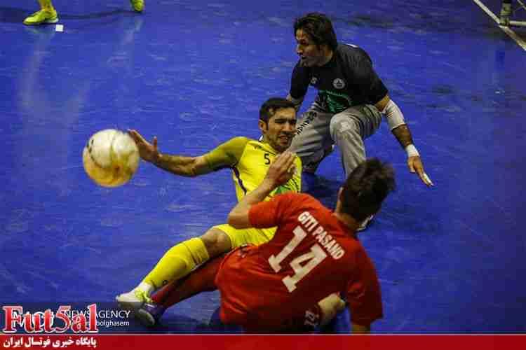 سری سوم گزارش تصویری/بازی تیم های تاسیسات دریایی با گیتی پسند اصفهان