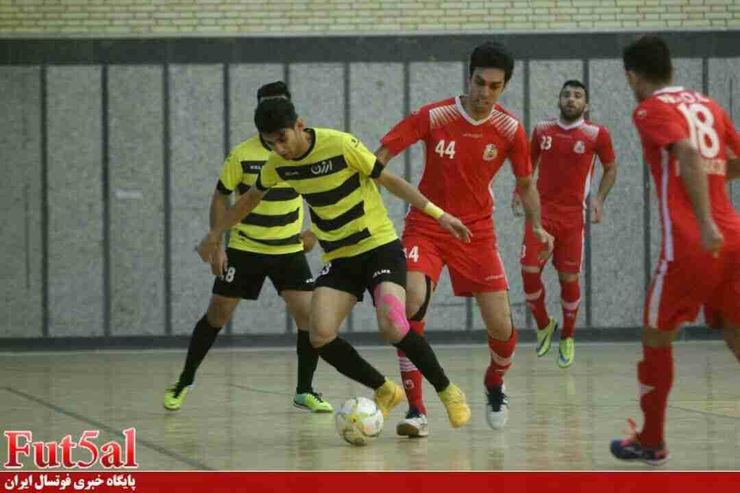 گزارش تصویری/بازی تیم های ارژن شیراز با حفاری خوزستان