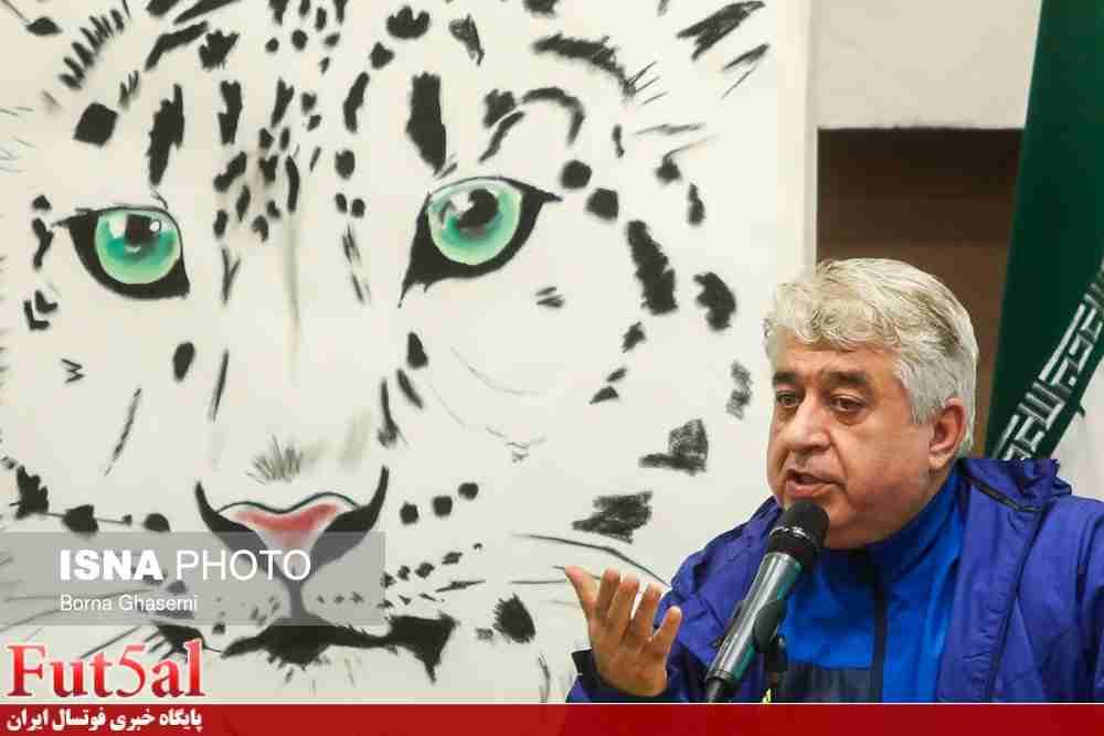 شمس: هدف فوتسالیها کودتا نیست/ حقمان را خرج فوتبال میکنند/ ۷۰۰هزار دلار فوتسال را به کیروش دادند!