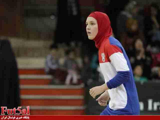 لباس تمرینی فوتسالیست های ایران بر تن دختران روسی