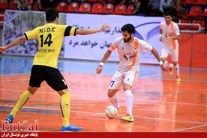 گزارش تصویری/بازی تیم های شهروند ساری با حفاری خوزستان