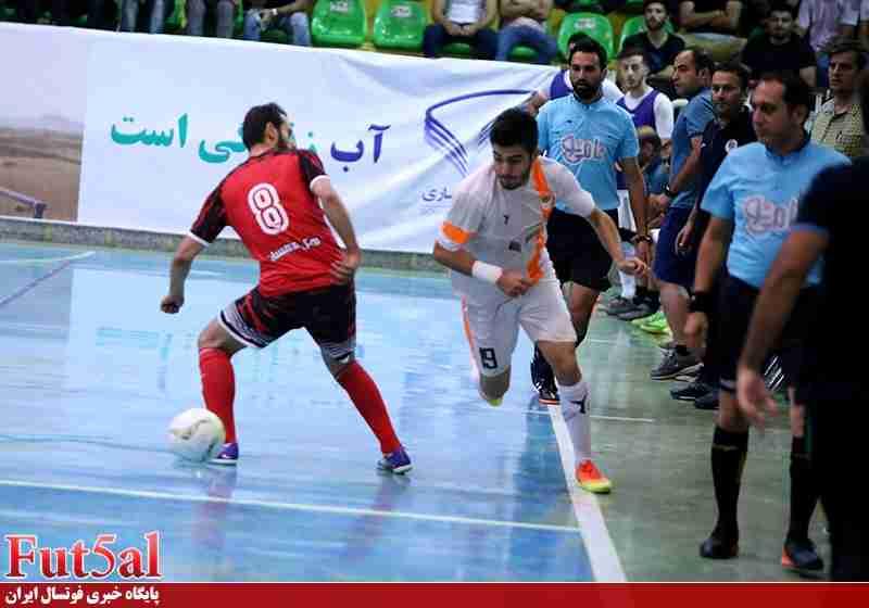 گزارش تصویری/بازی تیم های شهروند ساری با سوهان محمد سیمای قم