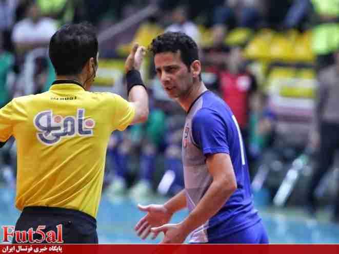 اصغریمقدم : در ۵۰ ثانیه پیروزی را با تساوی عوض کردیم / داوری در بسیاری از دیدارها ضعیف است