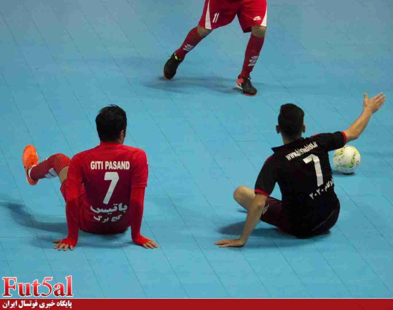 گزارش تصویری/ بازی گیتی پسند اصفهان و مقاومت قرچک