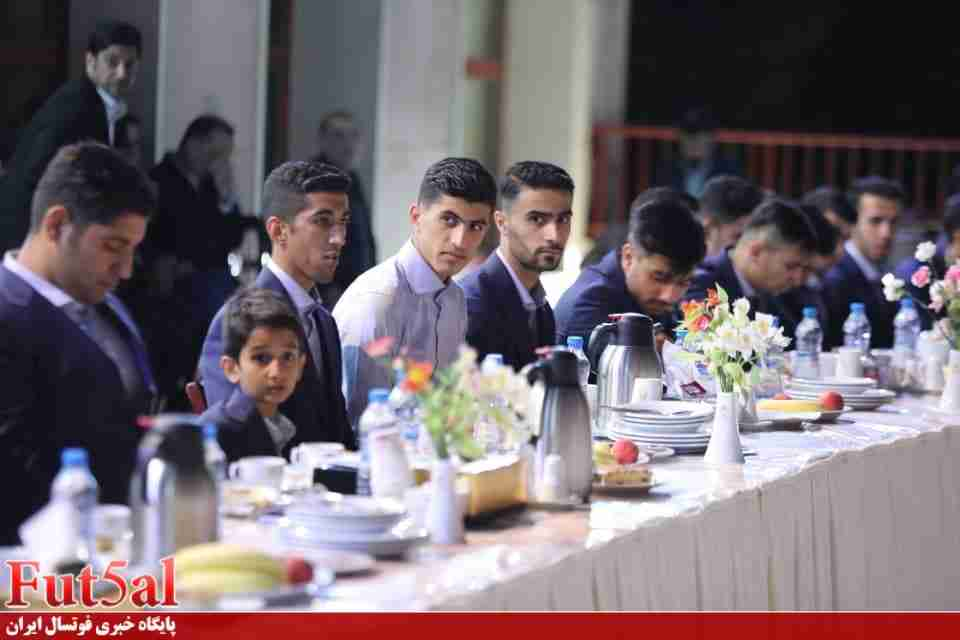 برگزاری نشست صمیمی اعضای شواری شهر و شهرداری مشهد با ملی پوشان فوتسال زیر ۲۰ سال +گزارش تصویری