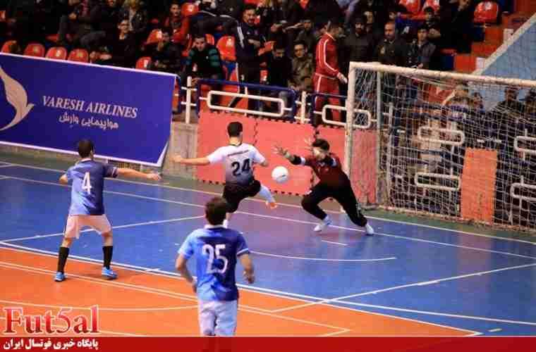 گزارش تصویری/بازی تیم های شهروند ساری با ارژن شیراز