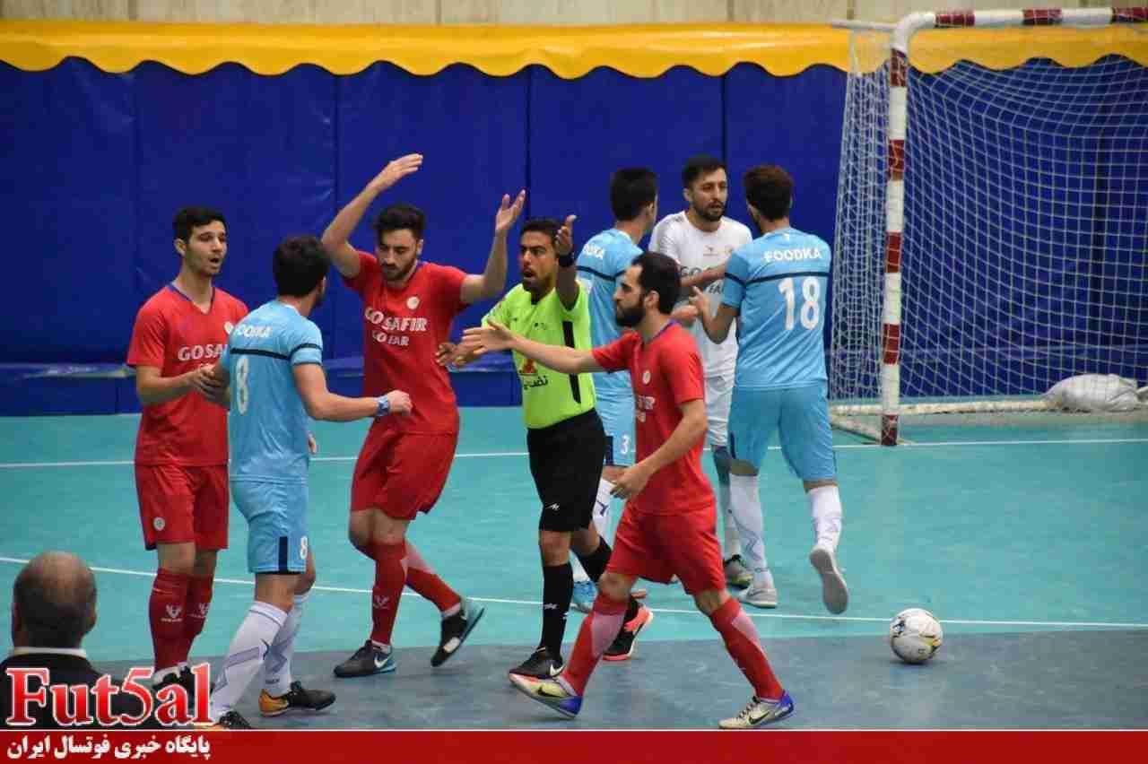 گزارش تصویری/ بازی تیم های سفیر گفتمان تهران و فودکا تهران