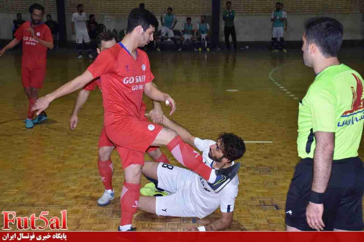 گزارش تصویری/ بازی تیم های شهرداری قرچک با سفیر گفتمان تهران