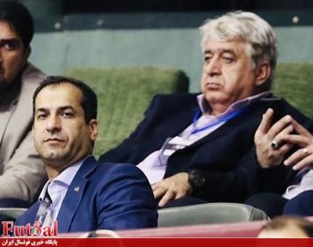 شمس: عزیزی خادم به رئیس کمیته فوتسال اختیار تام داد/ وحید شمسایی در فوتسال یک افسانه است