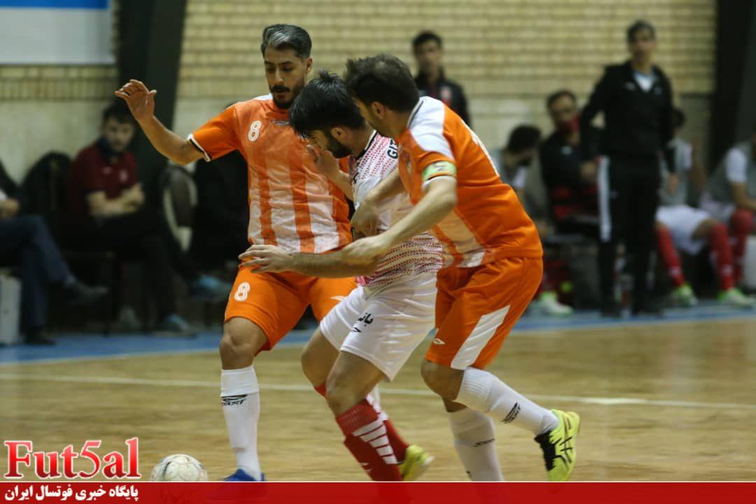 مخالفت کادر فنی، علت عدم جدایی سه بازیکن منصوری قرچک