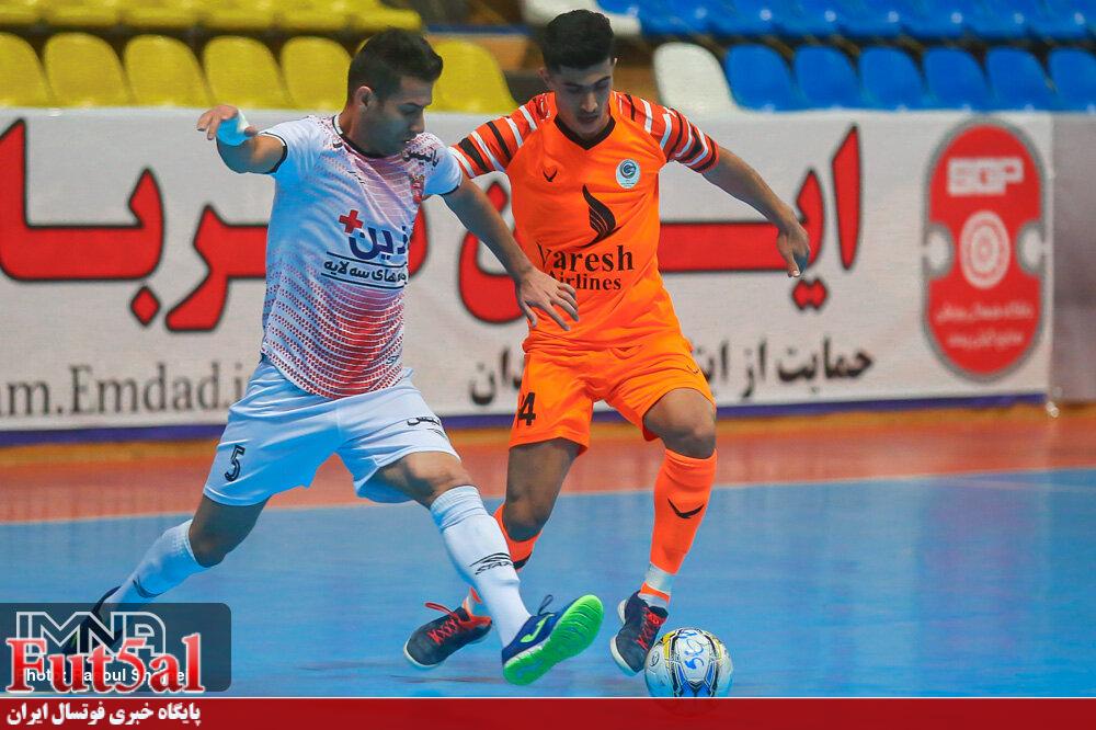 احمدی :در هر بازی موقعیتهای زیادی به دست میآوریم / امیدوارم همین روند را ادامه بدهیم